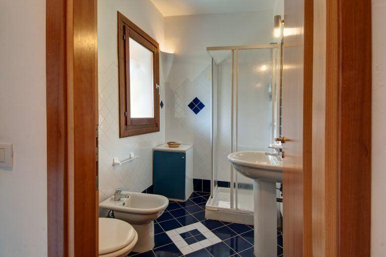 P.G.V.B4_Bathroom