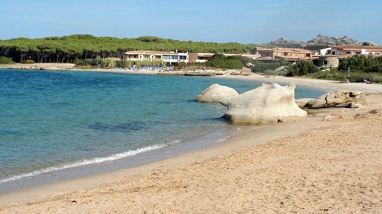 spiaggia La Sciumara, esterni degli appartamenti, Residence Palau Green Village